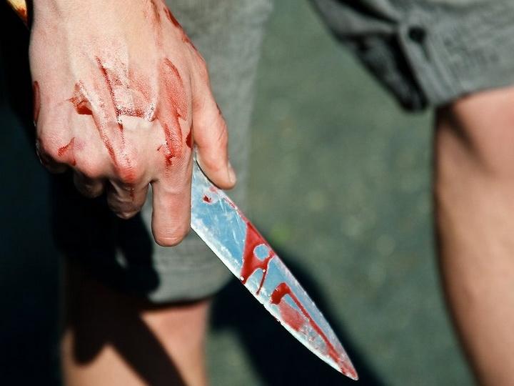 В Баку ранили ножом 21-летнего парня