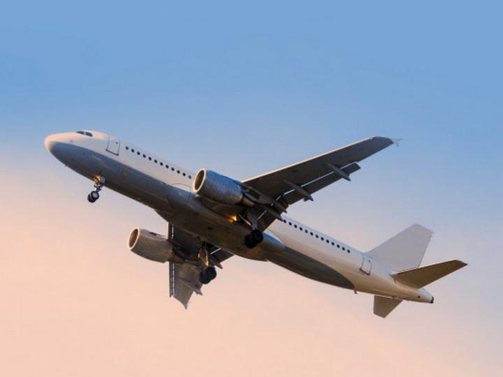 СМИ: Самолет с армянами на борту сел в Баку