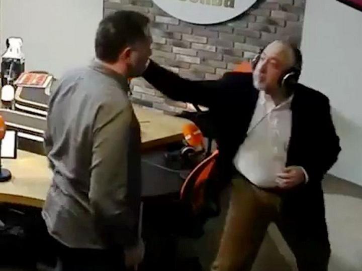 Известные журналисты Шевченко иСванидзе подрались впрямом эфире – ВИДЕО
