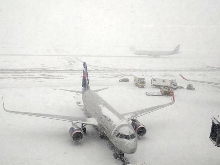 Из московских аэропортов из-за непогоды не могут вылететь около 50 рейсов