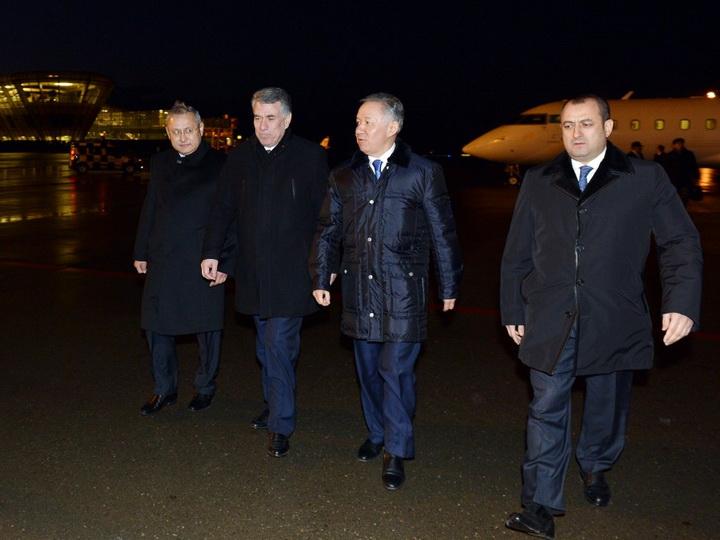Председатель Мажилиса Парламента Казахстана прибыл в Азербайджан с официальным визитом