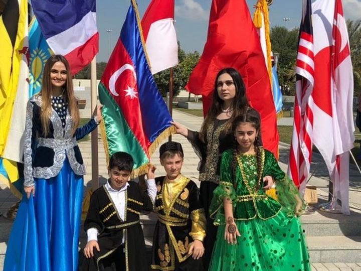 Азербайджан представлен на благотворительной выставке-ярмарке в Абу-Даби - ФОТО