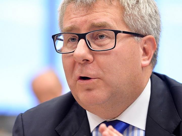 Рышард Чарнецкий уволен с должности вице-президента Европарламента