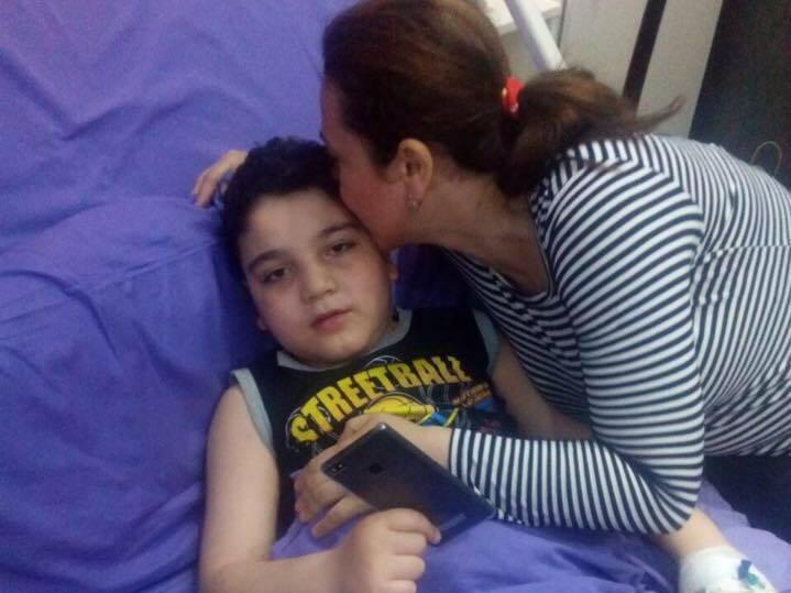 Призыв о помощи. «Во время приступов мой сын падает, как подкошенный. Это невыносимо больно видеть» - ФОТО
