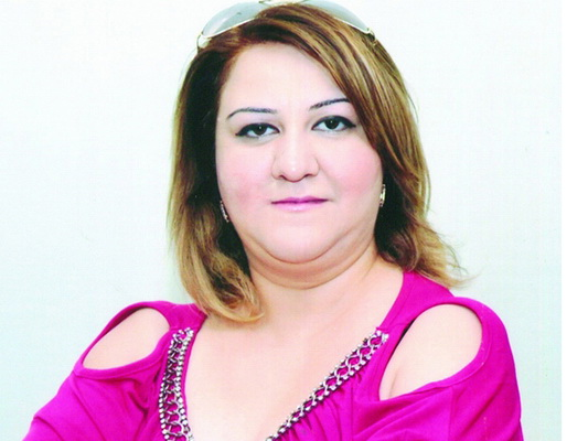 В Баку вынесен приговор женщине, выдававшей себя за редактора газеты – ФОТО