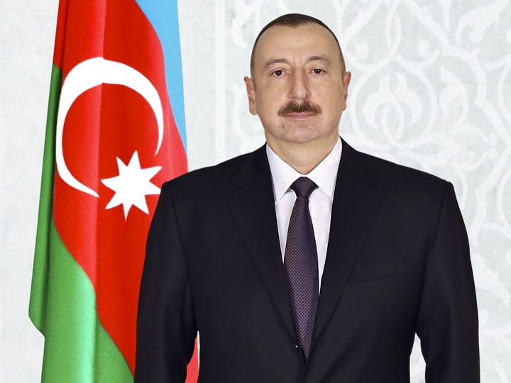 Президент Ильхам Алиев поздравил президента Шри-Ланки