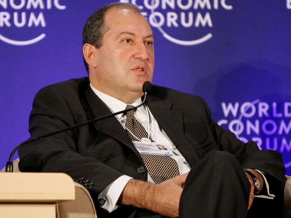 Возможный кандидат в президенты Армении отбыл в Москву