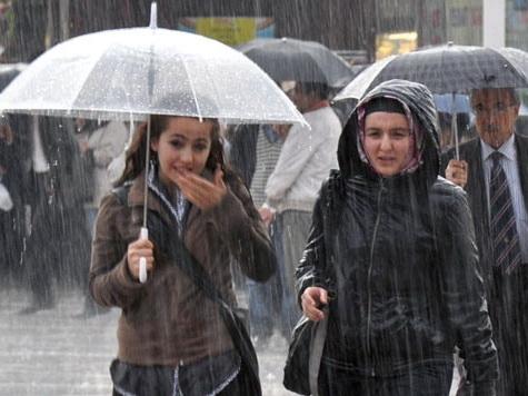 В субботу в Баку ожидаются сильные дожди