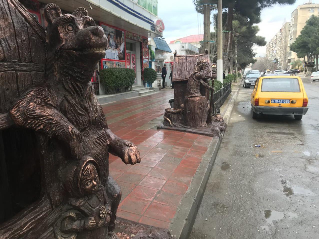 В Баку снесены статуи Бабы-яги и Кащея Бессмертного – ФОТО