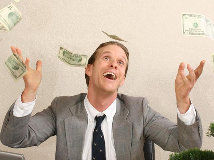 Психологи вычислили, сколько денег нужно для счастья