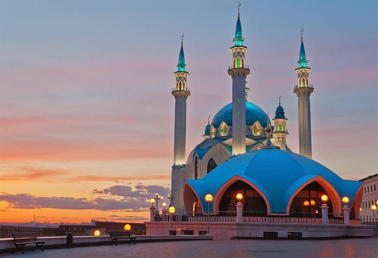 Рассмотрите Казань как туристический центр