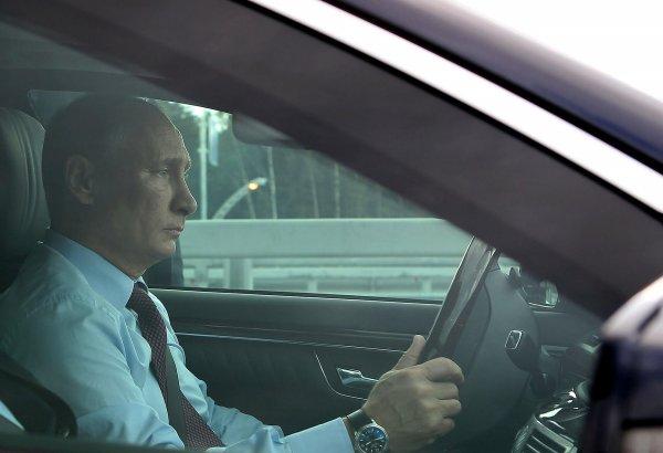Владимир Путин нарушил ПДД на Крымском мосту