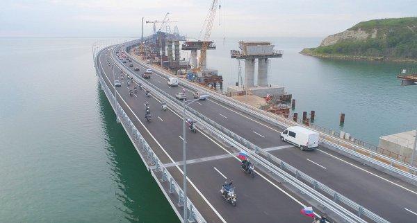 На Крымском мосту «рассосались» вчерашние пробки