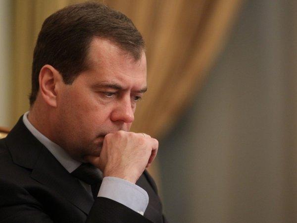 Депутат: Правительство Медведева повысит бедность и неравенство