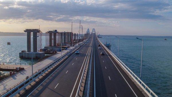 Крымский мост Аксёнов назвал новой визитной карточкой полуострова