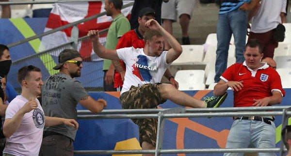 Английские болельщики боятся смерти от рук российских фанатов