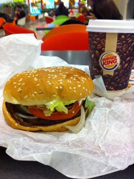Burger King не будет платить женщинам, «залетевшим» от футболистов