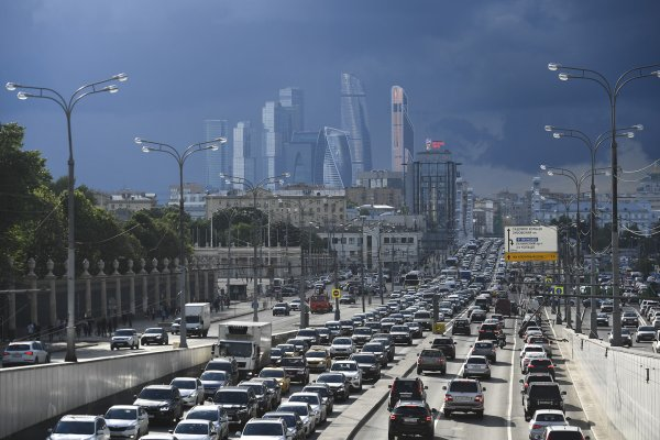 Московских водителей предупредили о «дачных» пробках