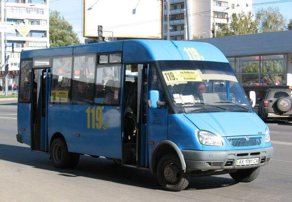 В Ростове водители маршруток не поделили пассажиров и устроили драку