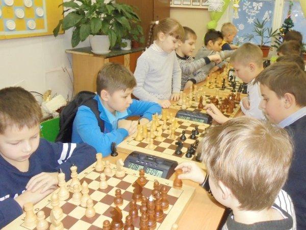 В 75 школах Москвы введут обязательные уроки по шахматам