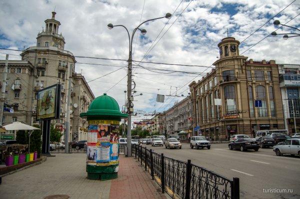 В Ростове-на-Дону мужчина развлекал пассажиров маршрутного такси