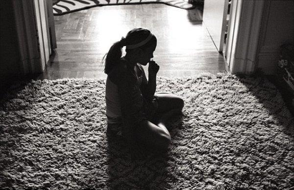 Фотограф из США серией снимков рассказал о влиянии развода на детей