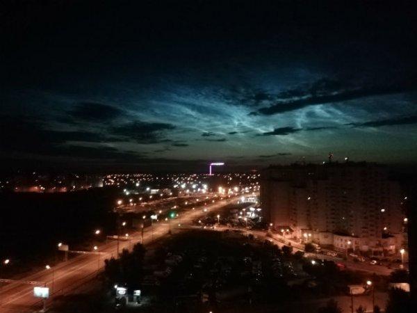 Жители Воронежа стали свидетелями появления «перламутровых» облаков