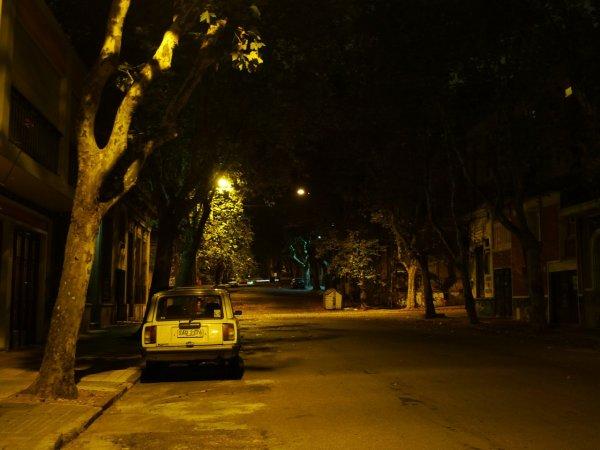 Монтевидео. Если не уругвайские номера на наших жигулях, то можно подумать, что находишься в Севастополе.
