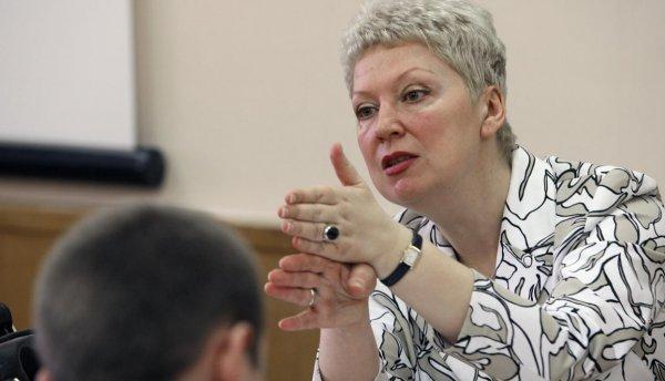 «В упор не видит!»: Лена Миро раскритиковала заявление Васильевой о дефиците учительских кадров