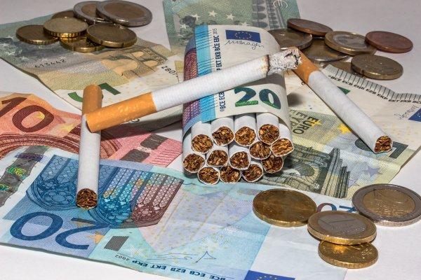 Эксперты: Пачка сигарет к 2020 году может стоить 26 долларов