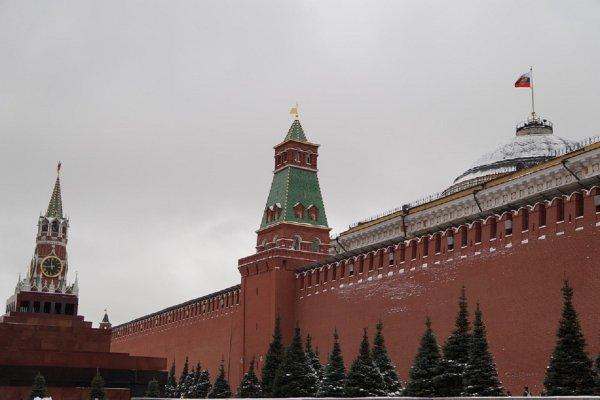 Психолог объяснила, почему люди занимаются сексом у стен Кремля
