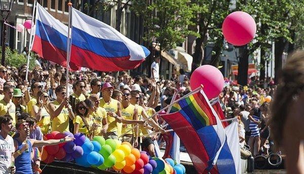 Исторический день: В России впервые разрешили провести гей-парад