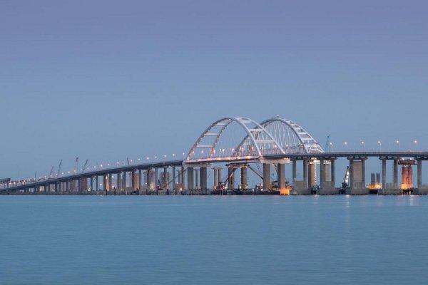 «Строго по графику»: Обнародована дата сдачи железнодорожной части Крымского моста