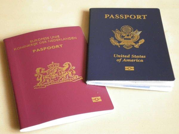 В Нидерландах выдали первый паспорт с нейтральным полом