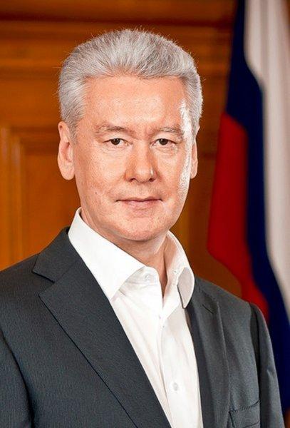 Собянин посетил церемонию открытия памятника Айтматову в Москве