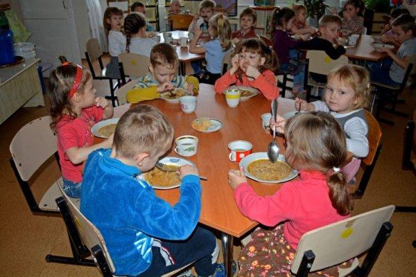 Паника в ДНР: В детские сады Донбасса не пускают родителей из-за угрозы теракта