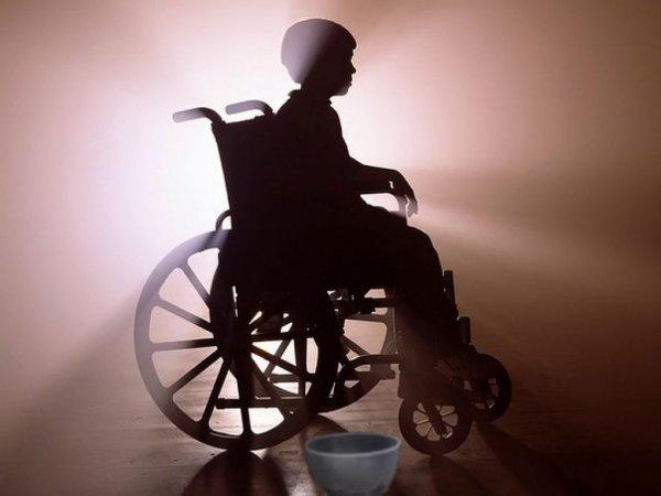 «Я родила не маугли!»: Мама инвалида из Перми готова побираться из-за безденежья
