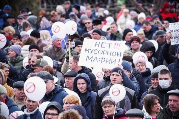 «Московский мусор не пройдет»: Север России грозит пикетами московским властям
