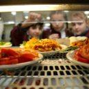 Детям опасно питаться в школьных столовых: несколько калужских школ не прошли проверку