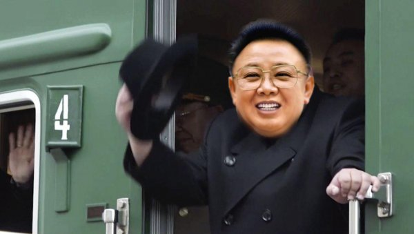 Ким Чен Ир приедет с того света. Руководство ДВФУ перепутало Ким Чен Ына с его отцом