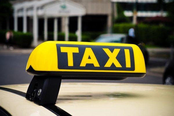 Отменил поездку — потерял страховку. Пассажир рассказал об аварии в Яндекс Такси