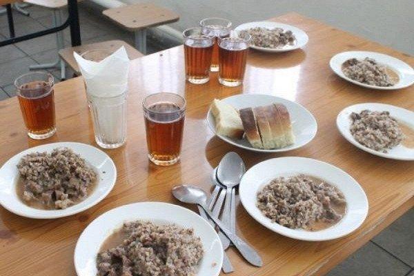 Каша из топора? Школы Приморского края игнорируют указания Кожемяко по улучшению питания