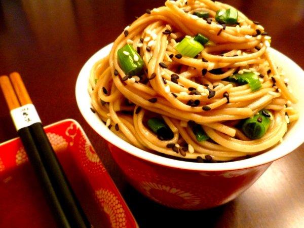 Лапша долголетия. Японский повар раскрыл рецепт лапши с курицей по-японски
