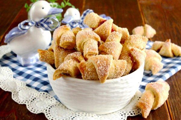 Рогалики как в 90-х. Домохозяйка поделилась пошаговым приготовлением десерта
