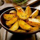 Картошка по-селянски. Как правильно запечь румяную картошку, рассказал кулинар